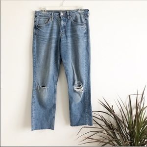 Cropped Girlfriend Jeans with Raw Hem